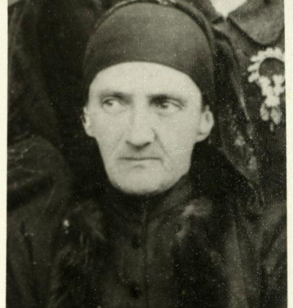 Цана Дебелянова – майката на Димчо Дебелянов. Държател Институт за литература – БАН