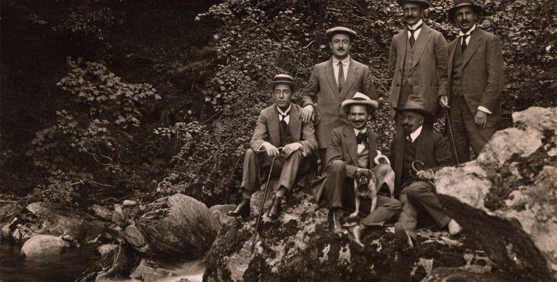 Елин Пелин, д-р Кръстев, принц Кирил и други в Костенец баня, 1920 г. Държател Национален литературен музей