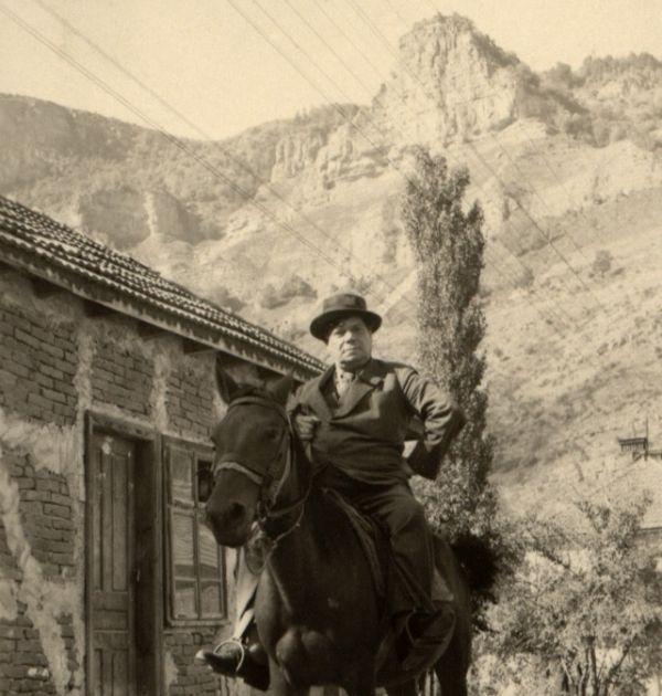 Александър Балабанов на кон. Държател Институт за литература – БАН