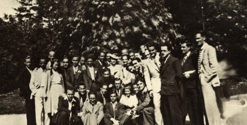 Никола Вапцаров сред група в Пирин, август 1939 г. Държател Институт за литература – БАН