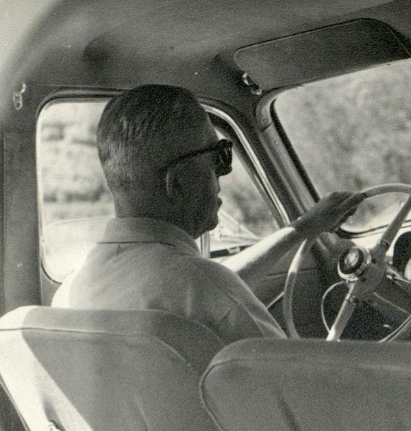Димитър Димов пътува към Щъркелово гнездо, 1962 г. 1(4). Държател Национален литературен музей