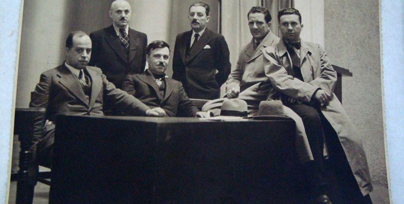 Ангел Каралийчев, Никола Фурнаджиев, Асен Разцветников, Матвей Вълев, Славчо Красински и Орлин Василев, 1938 г. Държател Национален литературен музей
