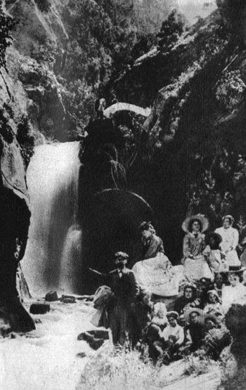 Иван Вазов с компания на Костенецкия водопад